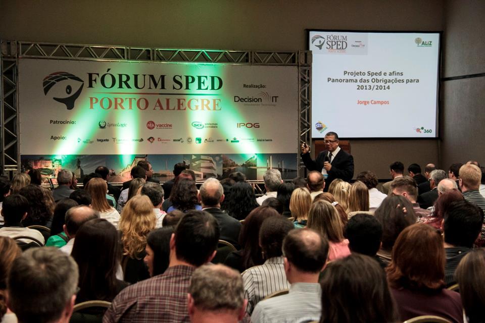 """Jorge Campos no Fórum SPED Porto Alegre 2013, apresentando sua palestra """"Panorama das obrigações 2013/2014"""""""